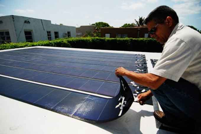 Стандартные тонкопленочные солнечные элементы устанавливаются на крыше